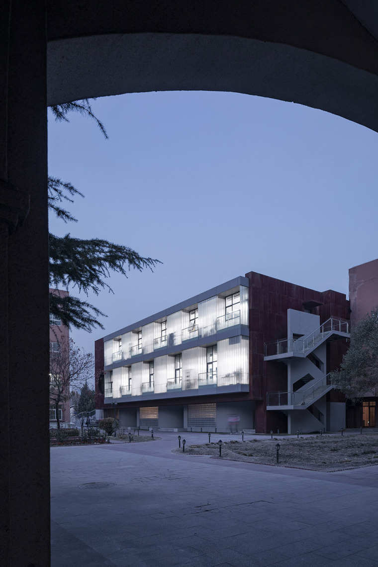 014-international-department-of-beijing-private-junyi-middle-school-china-by-edo-architects