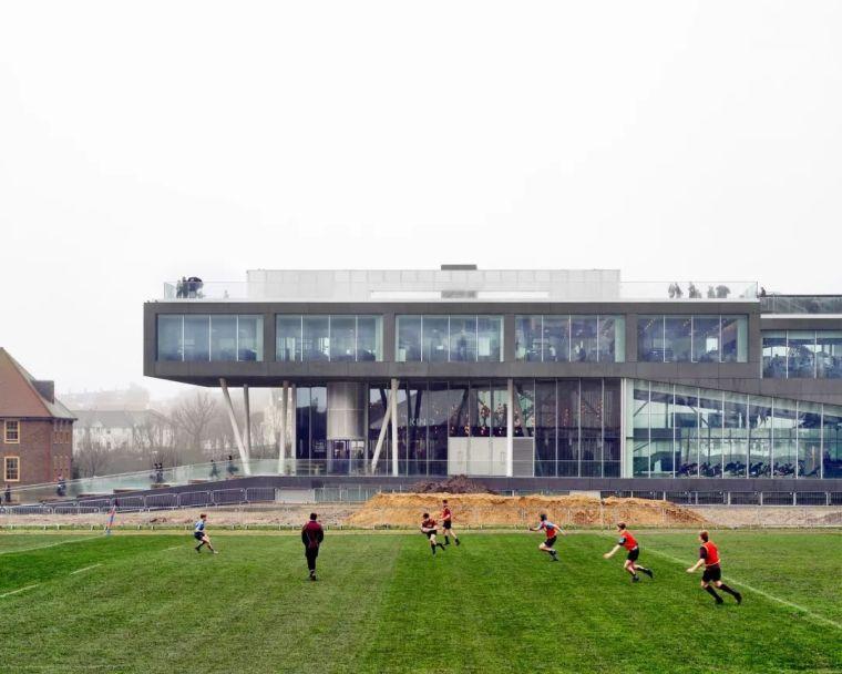 OMA新作'布莱顿学院'