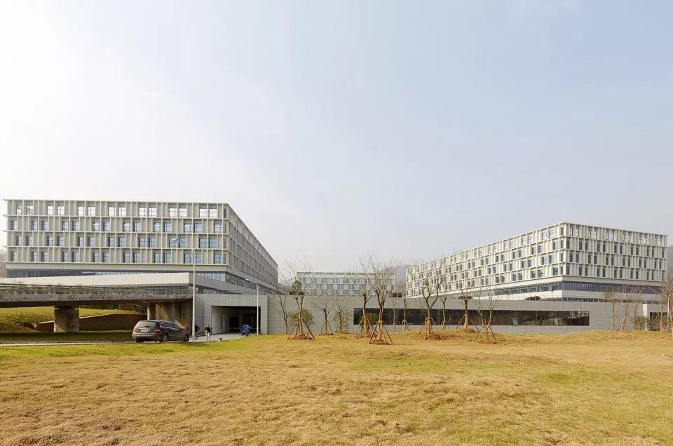 疫情背景下的中国医疗建筑现状与反思_8