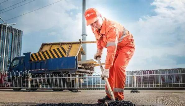 电子监控设备建设工程资料下载-降低公路建管养成本的路径和方法