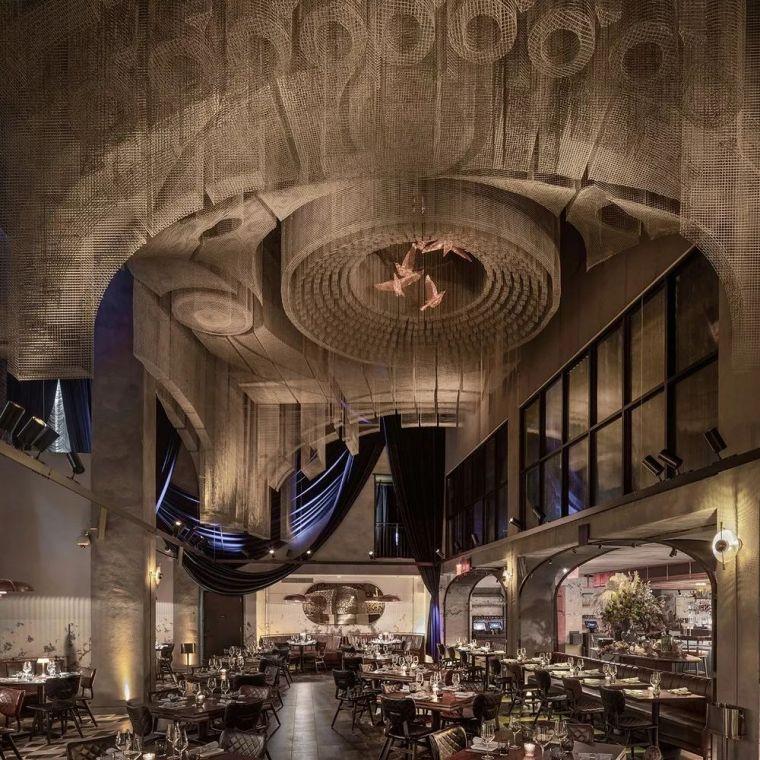 纽约教堂餐厅Fillmore,雕塑式吊顶_2