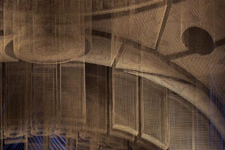 纽约教堂餐厅Fillmore,雕塑式吊顶_7