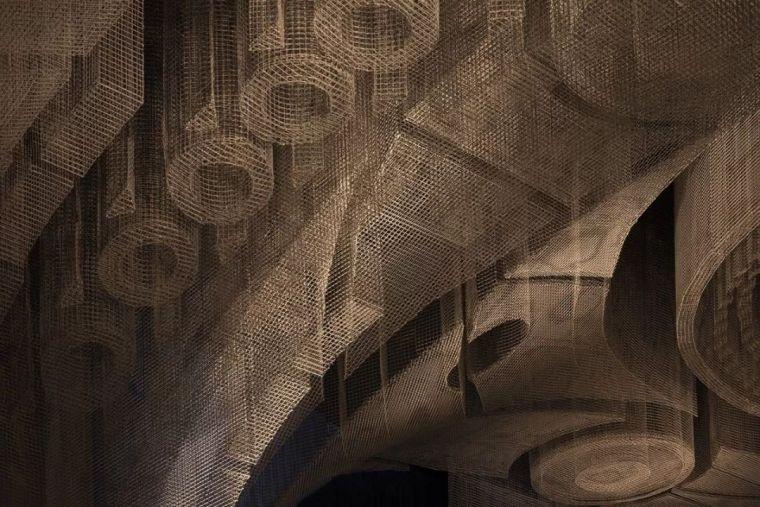 纽约教堂餐厅Fillmore,雕塑式吊顶_10