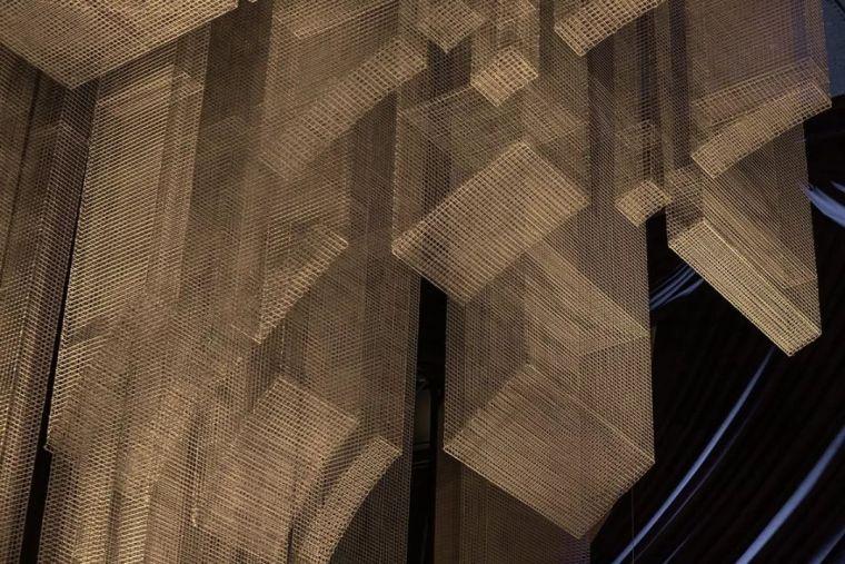 纽约教堂餐厅Fillmore,雕塑式吊顶_11