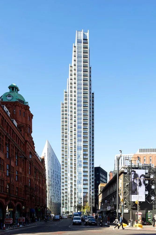 伦敦 Atlas大厦,竖向叠加的'悬臂'