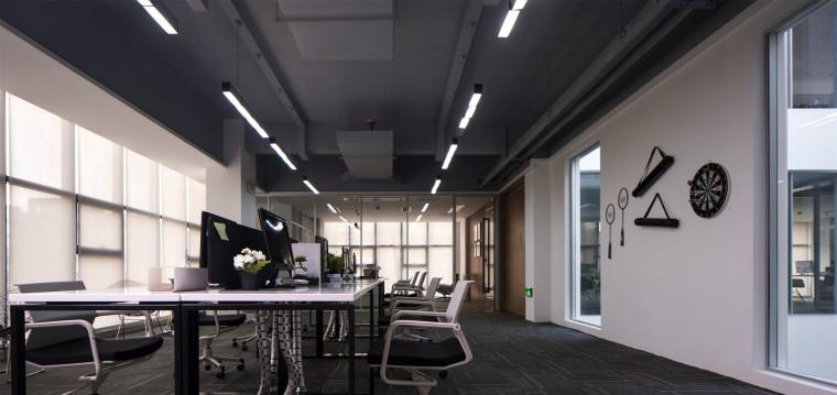 现代简约办公室装修迎合时代发展_1