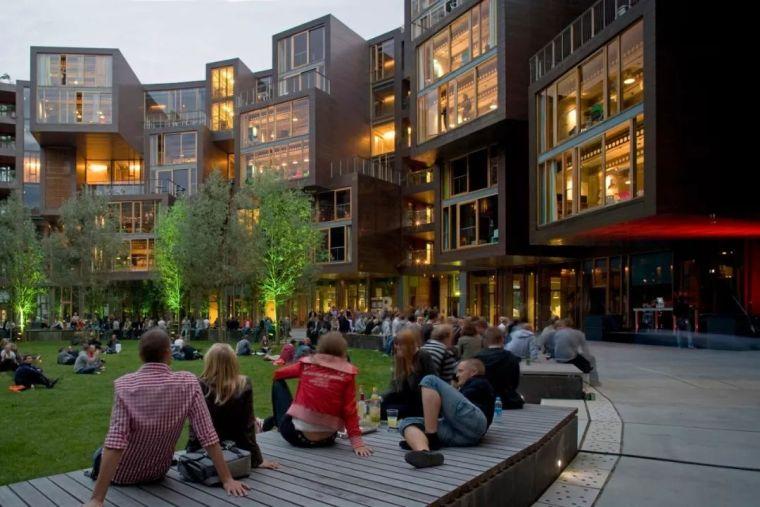 圆柱体的平等性,哥本哈根大学宿舍Tietgen_3