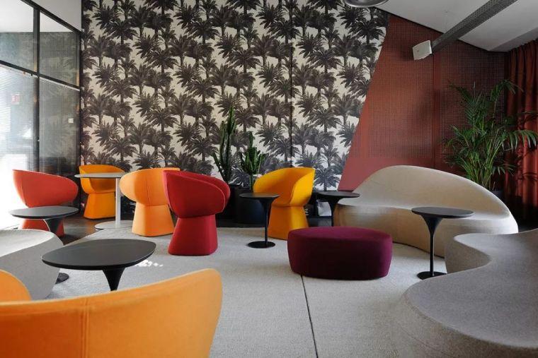 前卫时尚艺术气息的办公空间-ffea66d99a7d26d35b2a7231d6962583