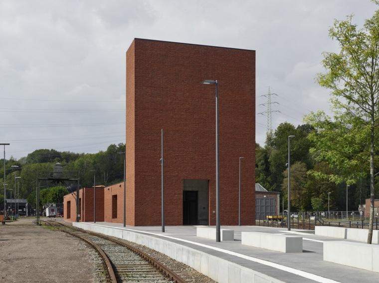 波鸿铁路博物馆,工业感与历史特质的表达