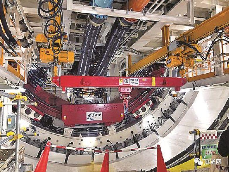 日本七号线地下广域调节池采用13m级盾构机_11