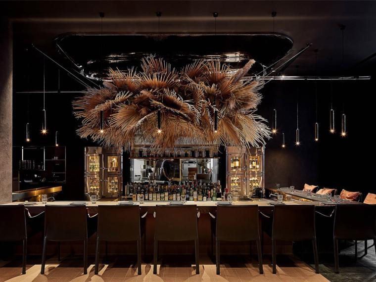 """上海""""CHARCOHOL巧客""""餐厅和鸡尾酒吧"""