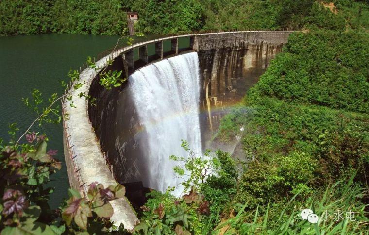 水电站大坝之拱坝是什么?