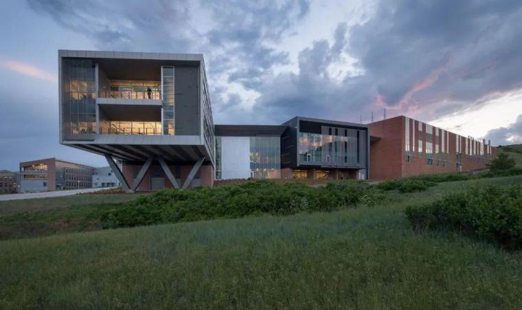 建筑师的环保职责|19座可再生能源公共建筑_22