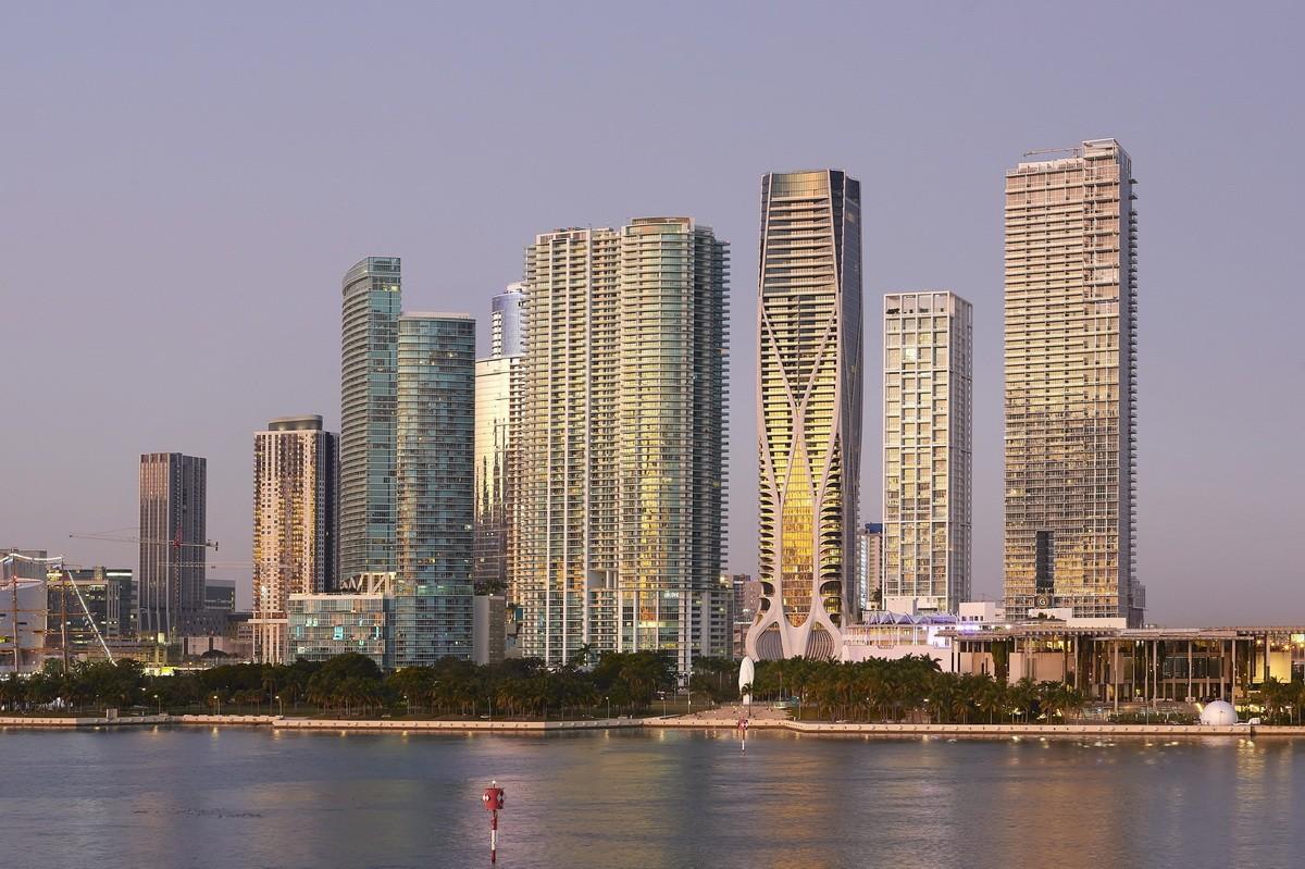 迈阿密千号馆豪华公寓 / 扎哈事务所