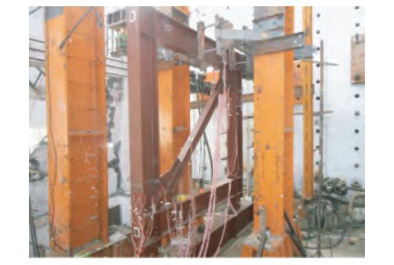 装配式板式连接对角支撑框架结构抗震性能