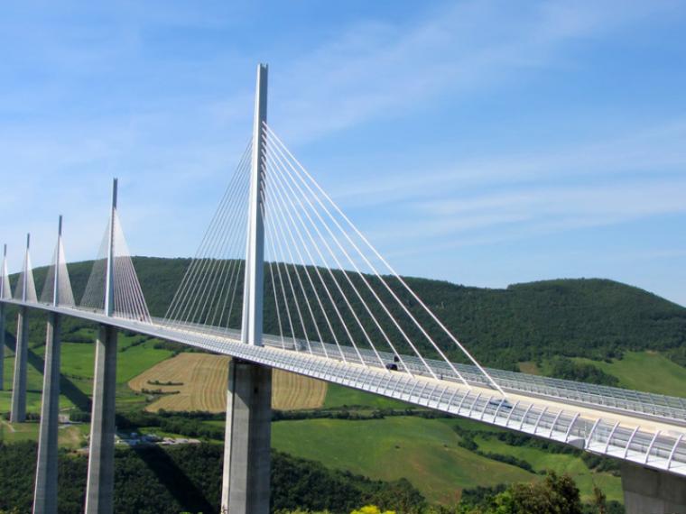 新建桥梁工程