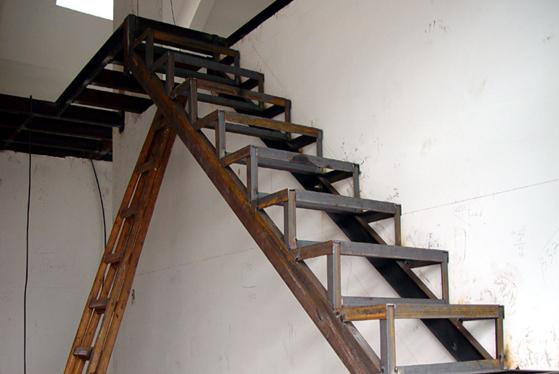 钢结构阁楼楼板吊法施工工艺