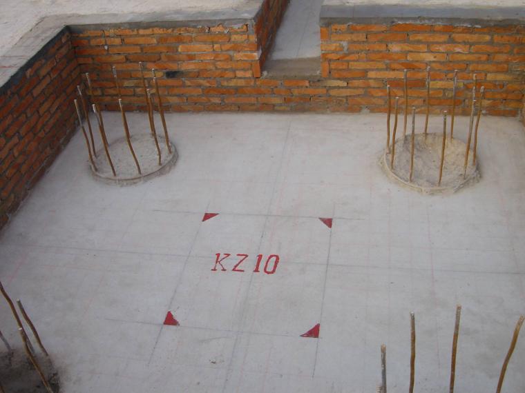 12承台砖台模和框架柱定位标记