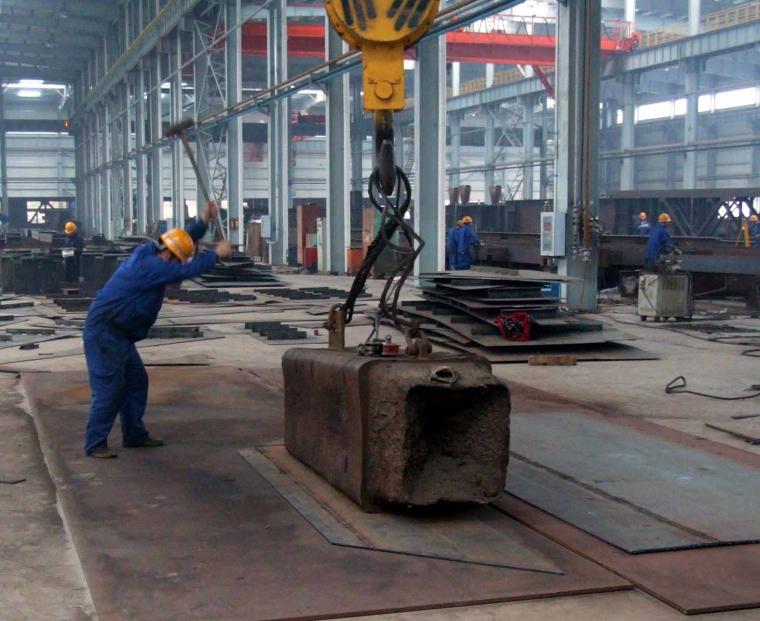 35锤击法--钢板焊接应力变形校正