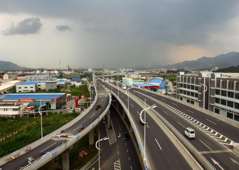 中小桥梁横向拼接受力特点及设计原则