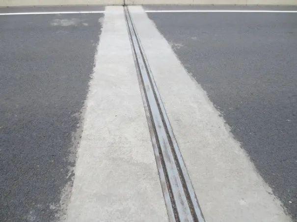 桥梁伸缩缝的分类与现状