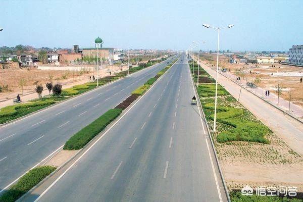 公路与市政道路工程预算定额分析有何不同?
