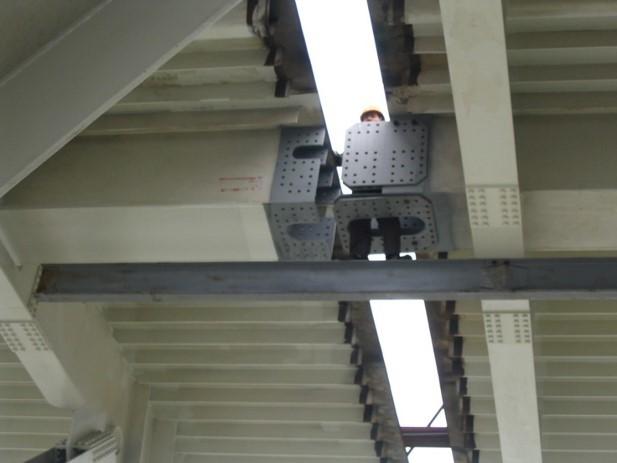 斜拉桥与悬索桥的现状、受力特点及构造