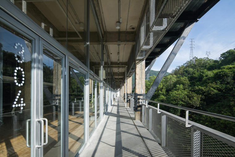 41-Semi-outdoor_hallway_in_the_main_teaching_building_©Zhang_Chao
