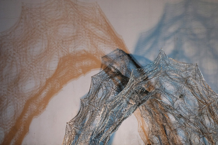 004-robotic-metal-wire-knitting-china-by-hsi-ping-hung