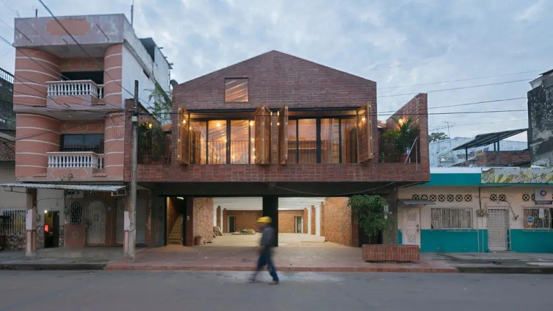 厄瓜多尔住房及教育综合体