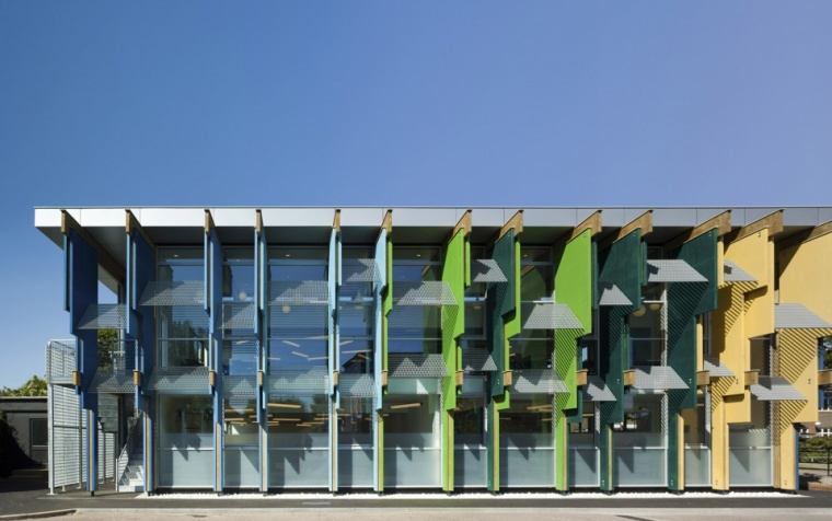 学校改造设计,以色彩鲜活的结构注入新生!