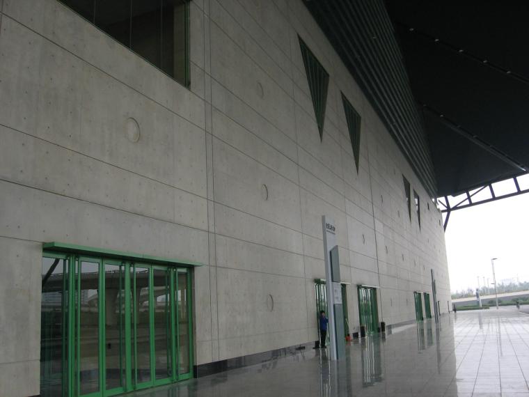 新型模板及脚手架技术培训讲义PPT(347页)-17会展中心清水混凝土效果