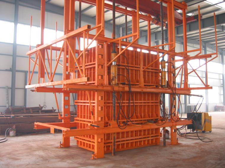 新型模板及脚手架技术培训讲义PPT(347页)-15千斤顶的柱模爬升试验