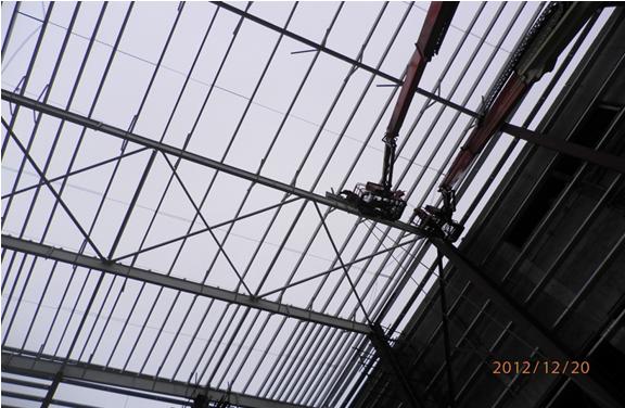 仓库钢结构施工方案_雨棚采钢板管廊架