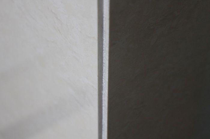 12瓷质墙砖阳角5乘5mm海棠角拼缝