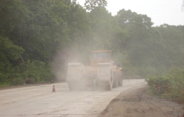 冲击碾压破碎旧混凝土路面施工技术