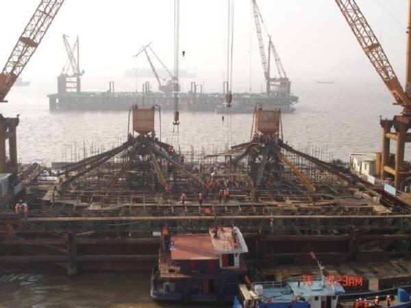 海上公铁两用大桥墩柱下部结构施工组织设计