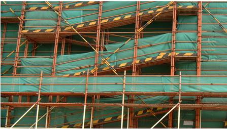 框剪结构高层住宅工程安全文明施工方案-02 脚手架马道防护示意图