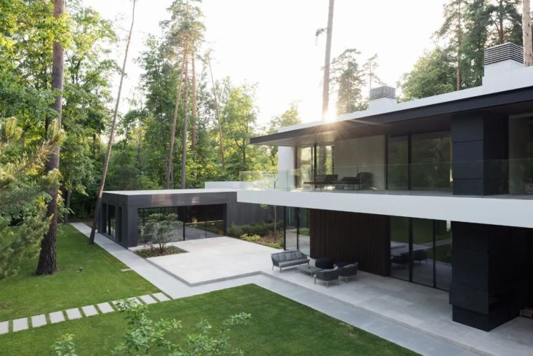 国外的超级别墅,都喜欢这样设计!_9