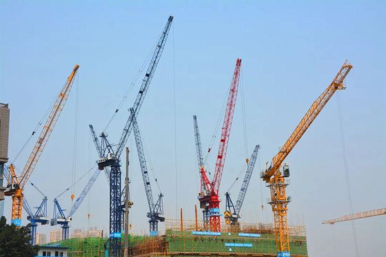 15台大型塔吊同时作业,如何确保施工安全?