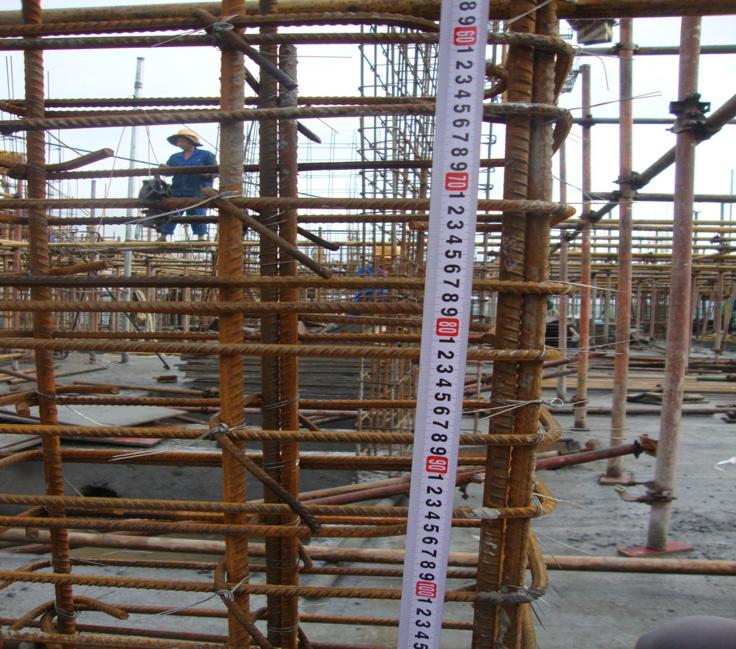 60柱纵筋采用绑扎