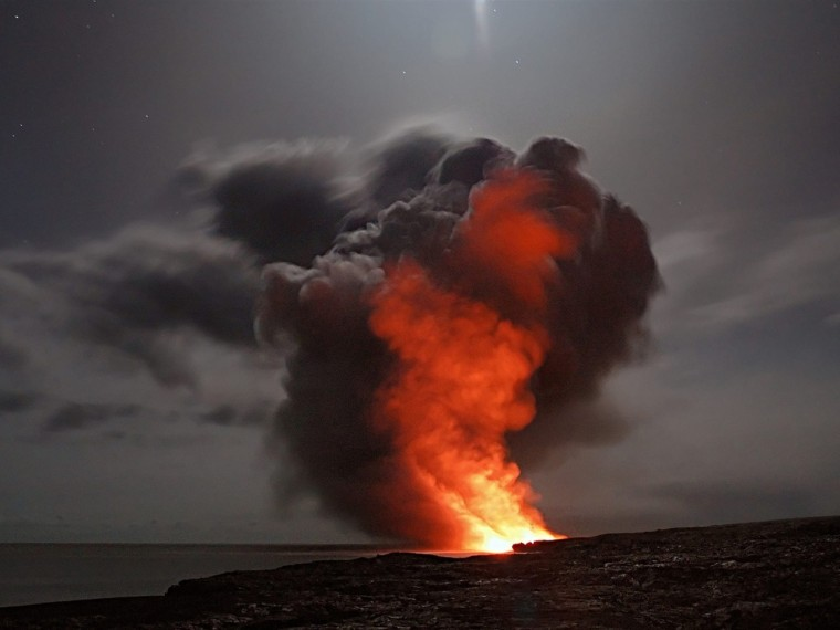 active-ash-cloud-ashes-blaze-417070_副本.jpg