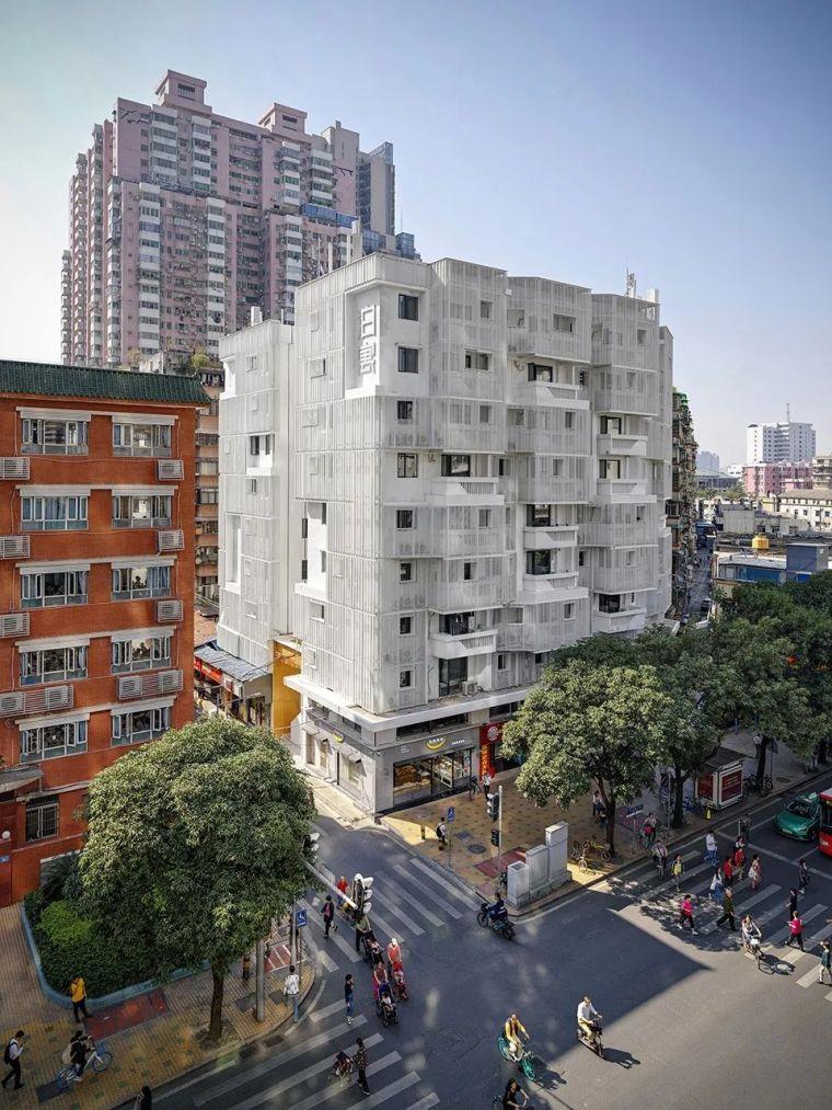 建筑|老旧居民楼改造成时尚公寓_6