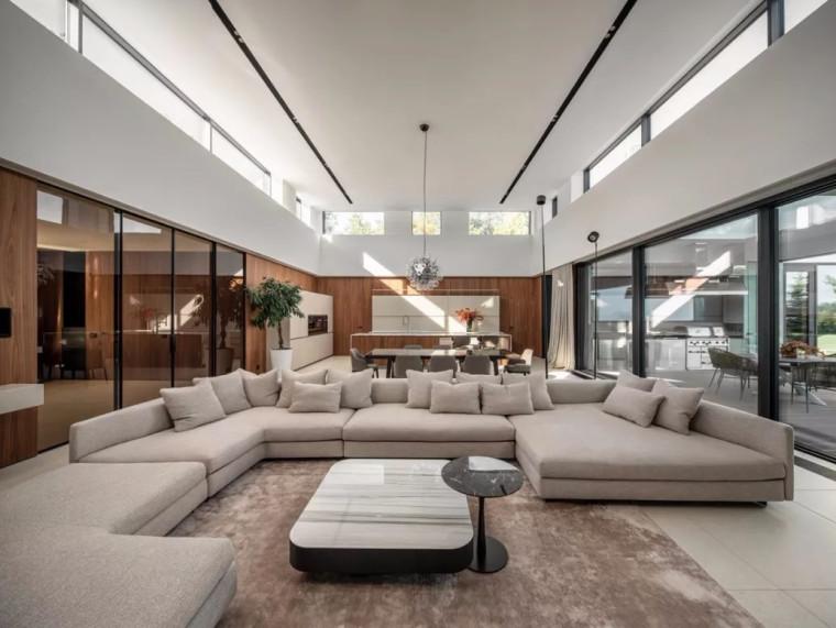 现代轻奢风格的居住空间