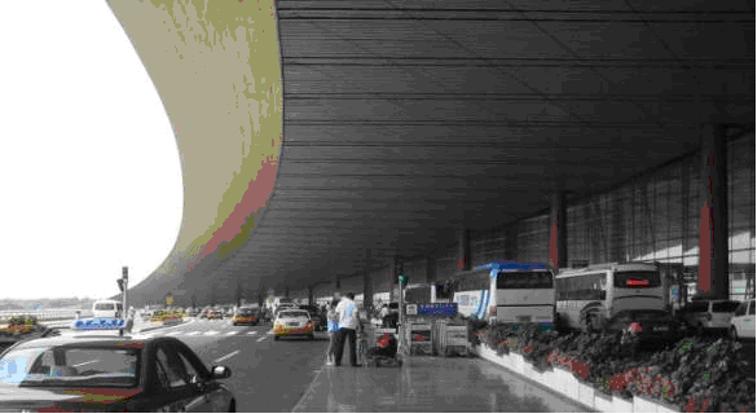 大型综合交通枢纽设施布局规划研究