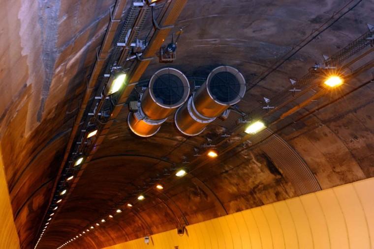 高速公路山岭隧道养护工作计划安排与管理