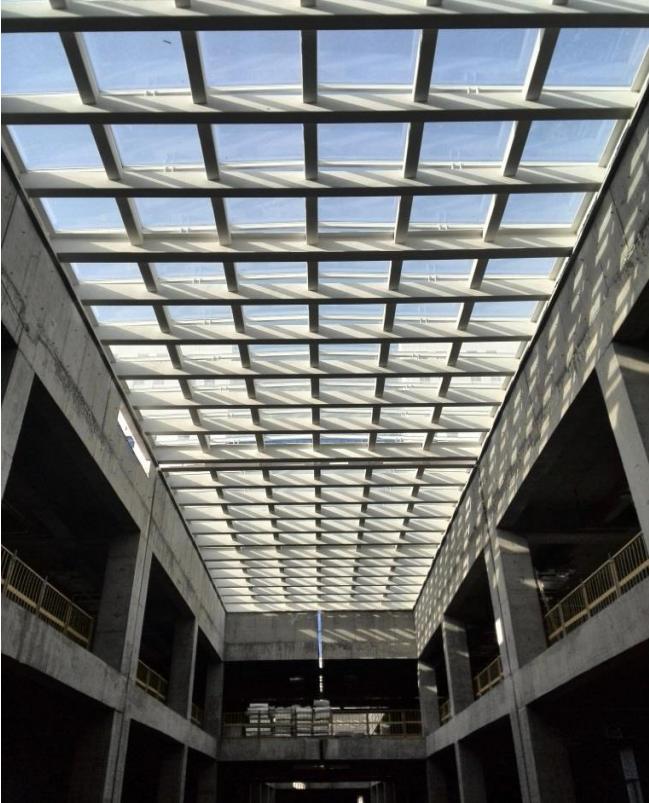 屋面钢结构玻璃采光顶变形缝工艺创新