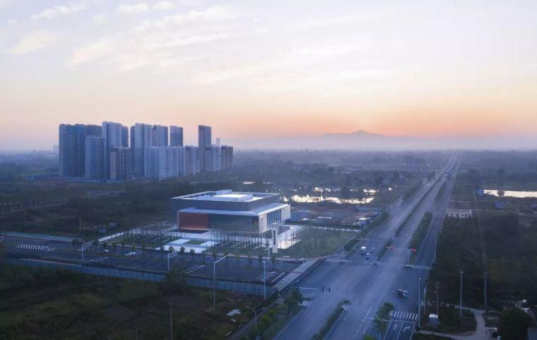 大气、方正的——新洲城市规划馆_3