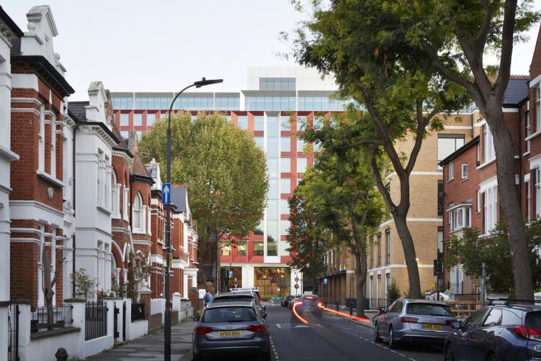 245_Hammersmith_Road_urban_context_credit_Jack_Hobhouse