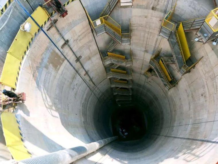 77.3米!刷新国内最深基坑记录!